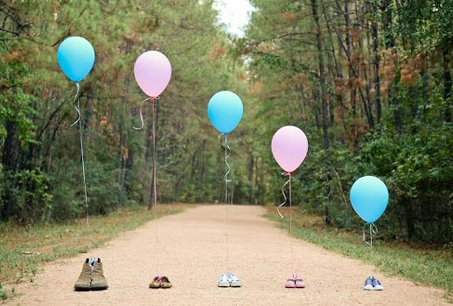 gender reveal ideas sibling shoes balloons