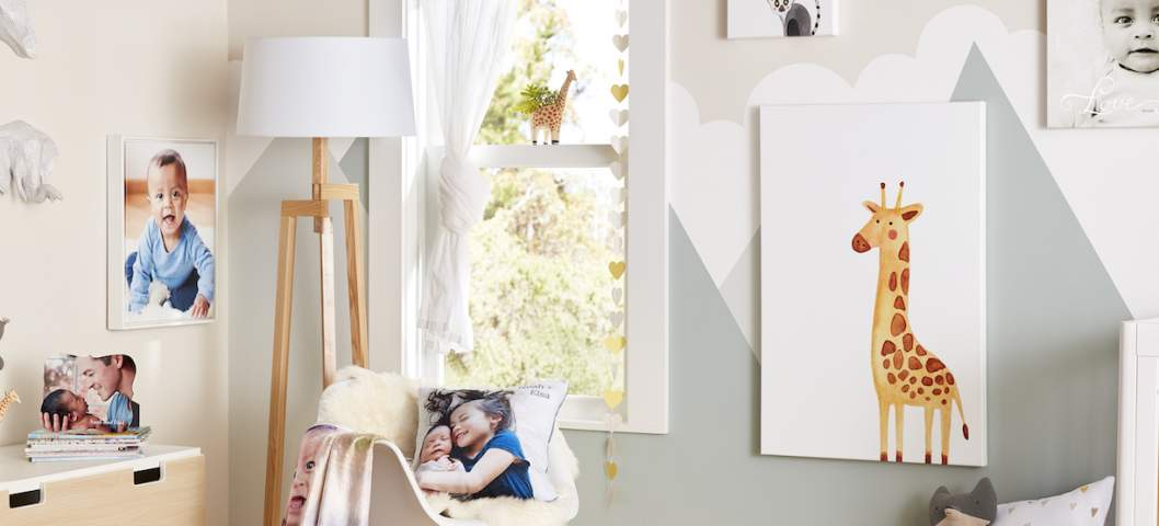 baby room furniture and decor