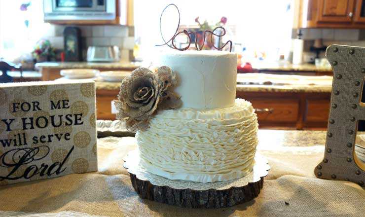 rustic and romantic bridal shower cake
