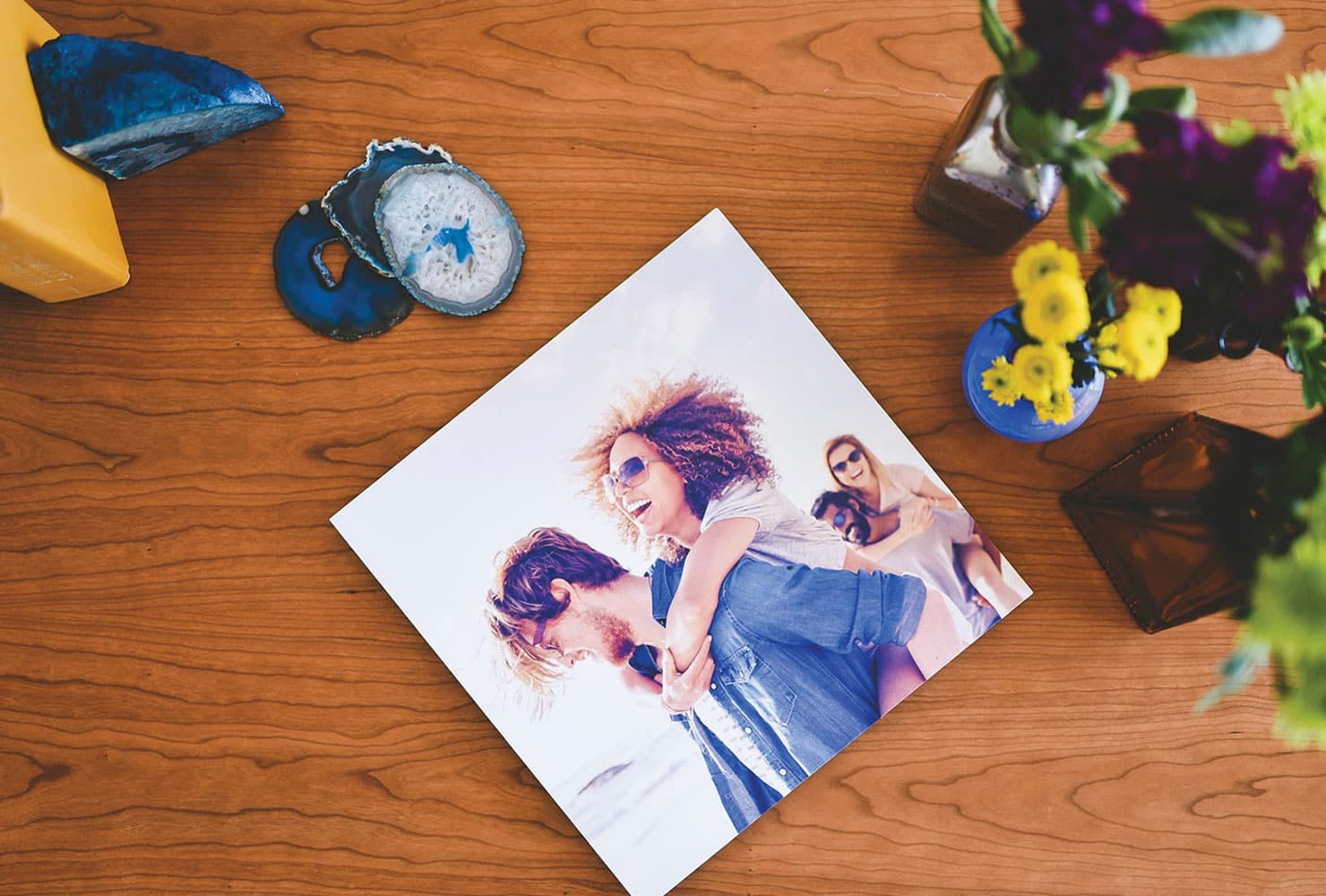 photo tray sits on a coffee table