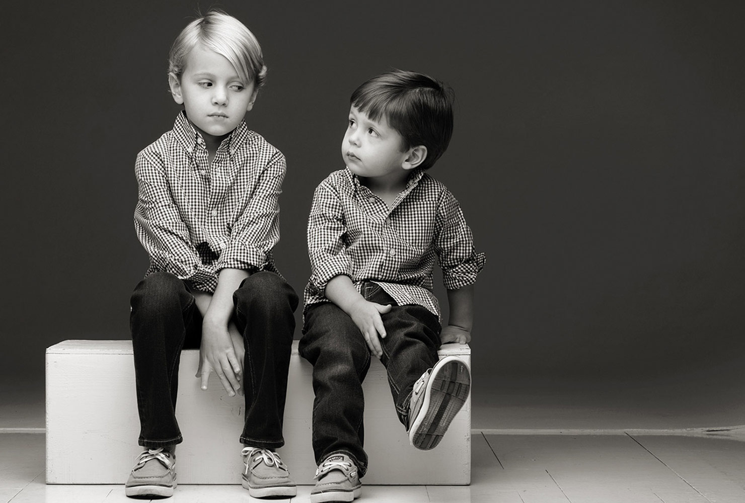 sibling photo ideas black white brothers