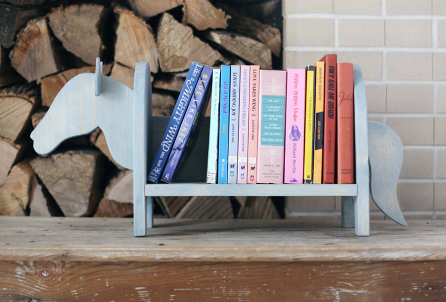 animal book shelf