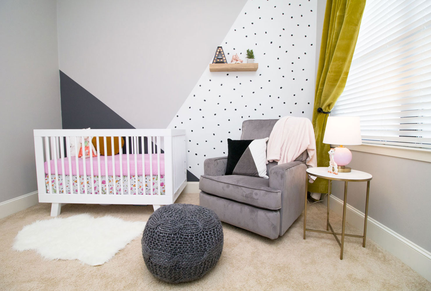 accent nursery dots