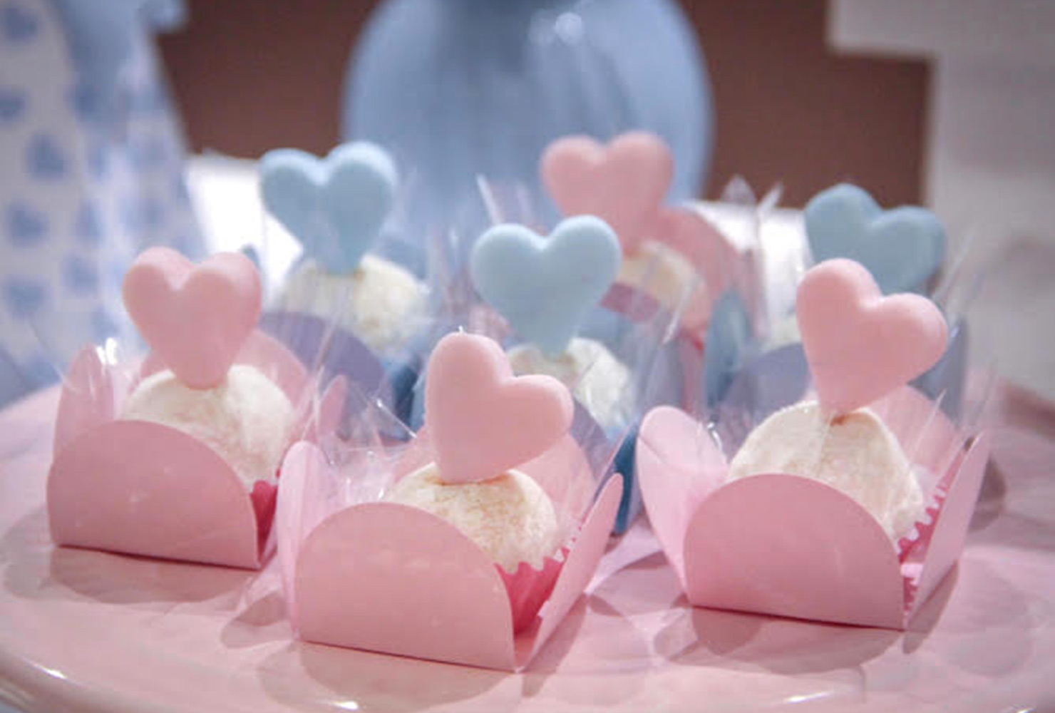 baby shower food bluepink heart cupcakes