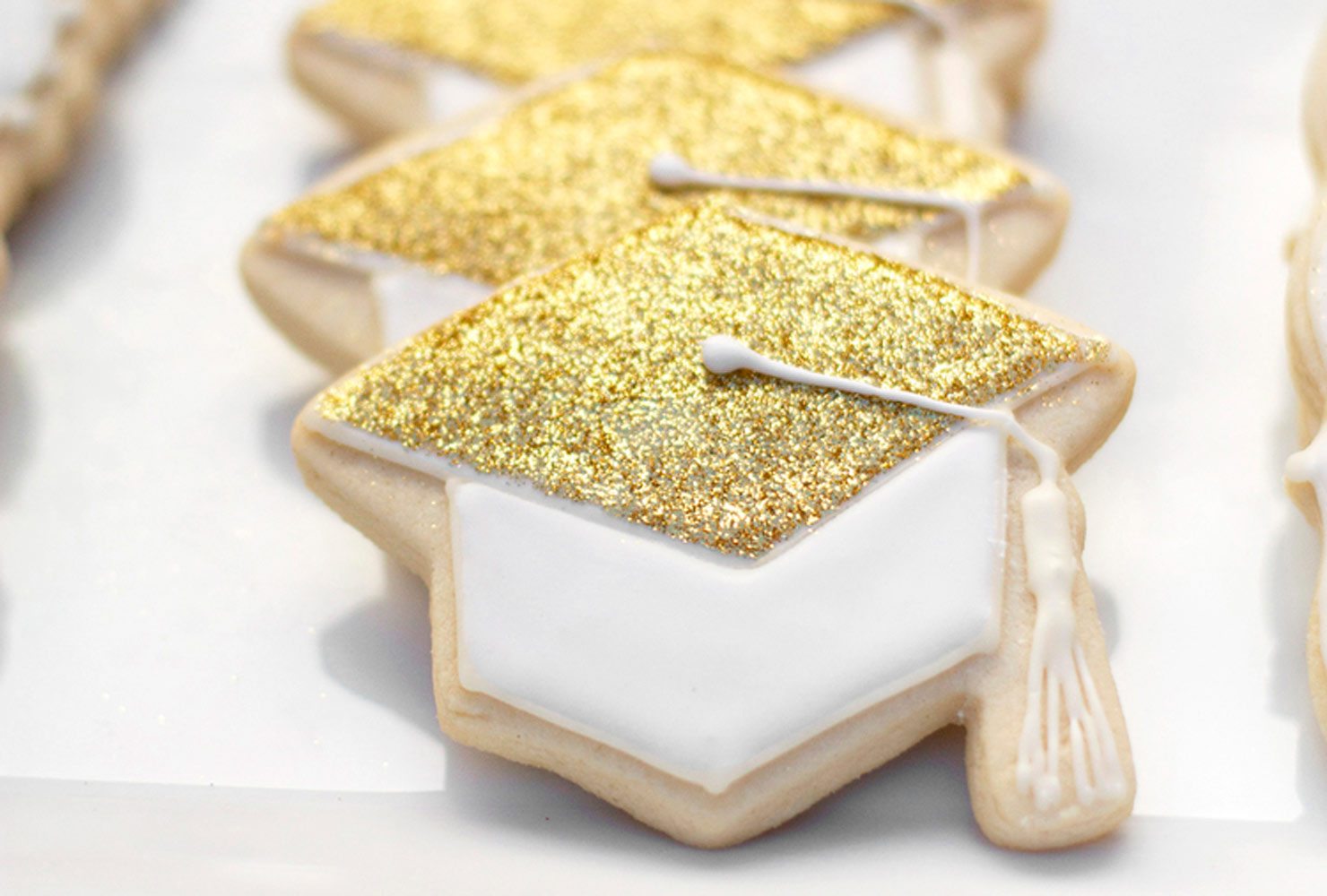 graduation cap sugar cookie