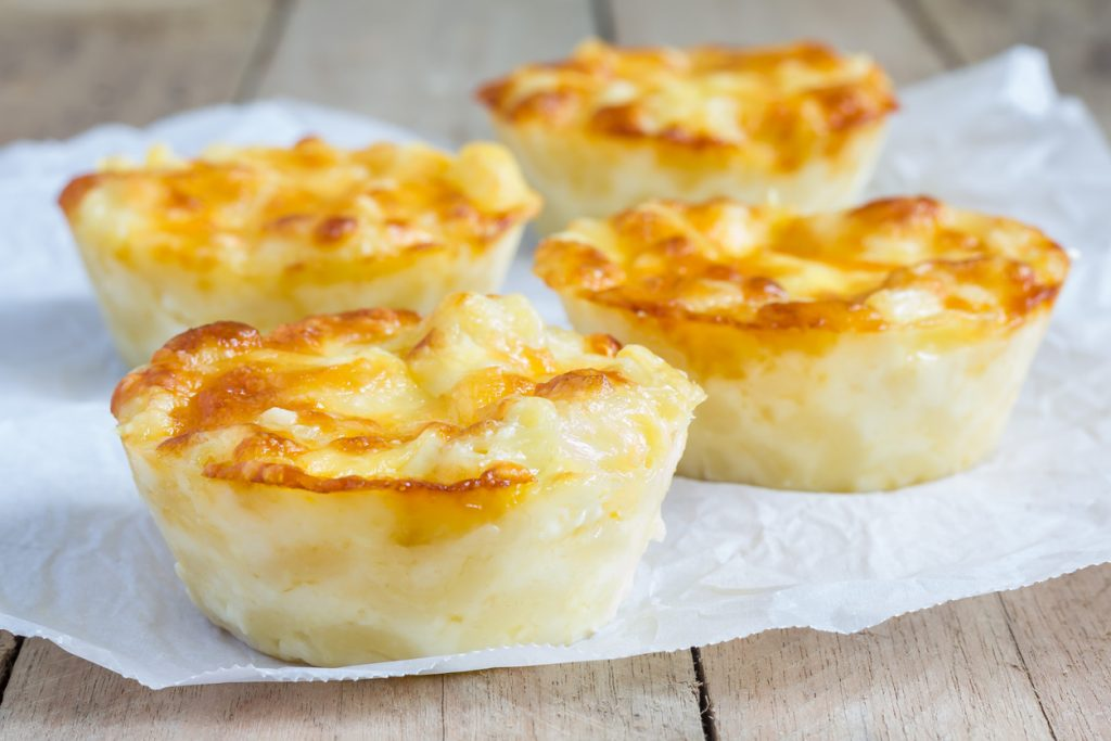 Macaroni and cheese baked as a little pies for Birthday Party Food.