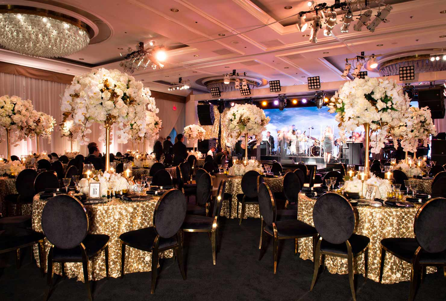 black and gold wedding ideas gold tables