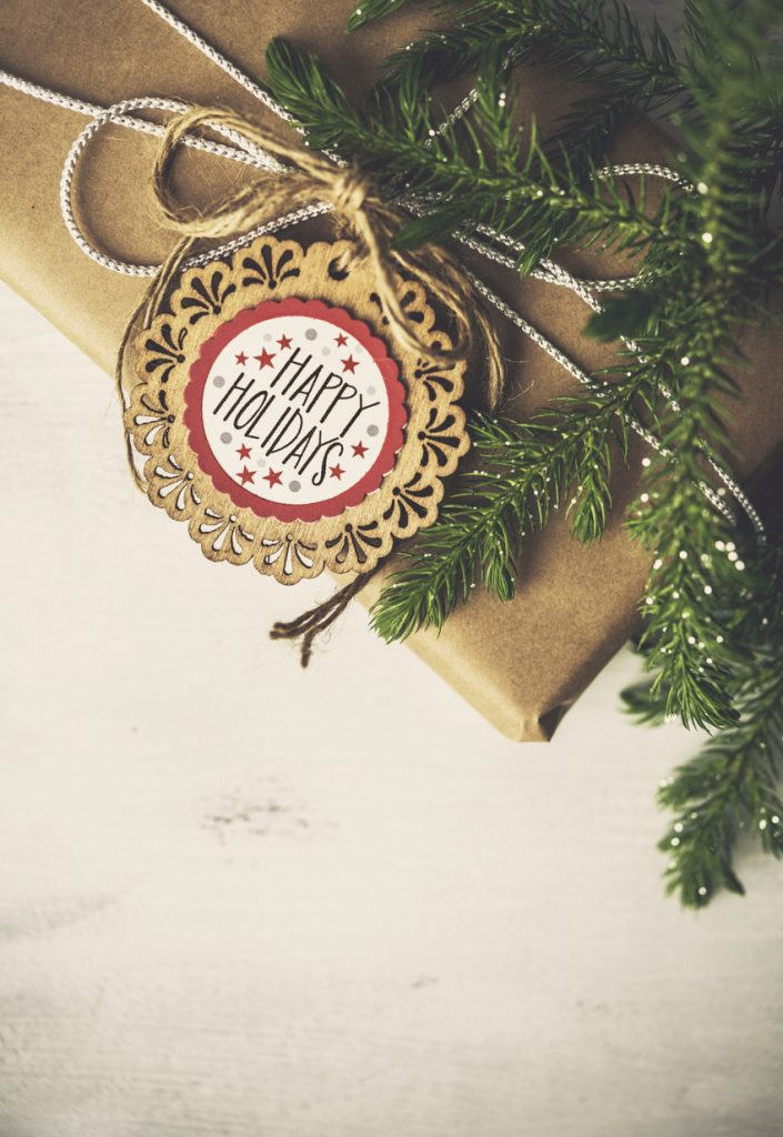 Rustic Christmas gift tag made with old Christmas Cards.